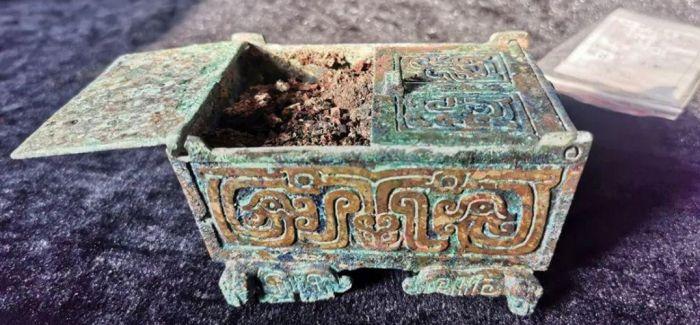 山西垣曲北白鹅墓地发现周代女性化妆品盒