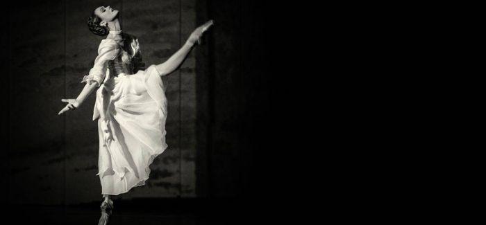 镜头之中探索芭蕾背后的辛酸与凄美