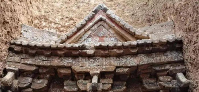 济南出土11座元代砖雕壁画墓